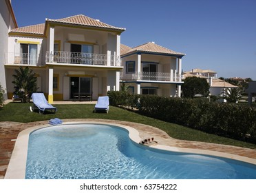 A swimmingpool on a sunny day - Lifestyle concept