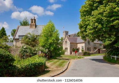 Swinbrook village, Cotswolds, Oxfordshire, England
