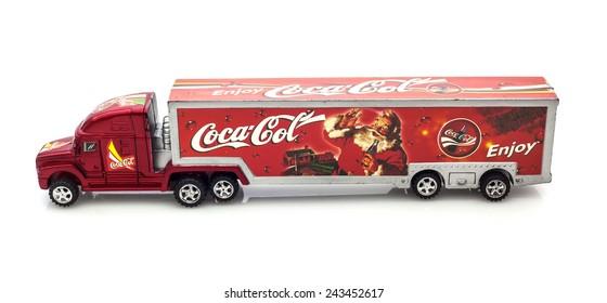 Imágenes Fotos De Stock Y Vectores Sobre Camion Coca Cola