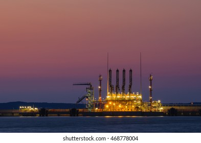 SWINOUJSCIE. LNG TERMINAL AT NIGHT