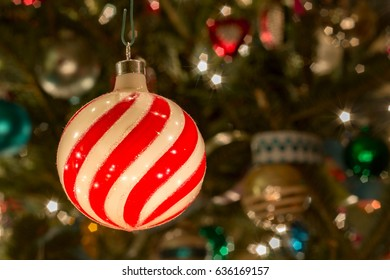 Swirl Bulb Ornament