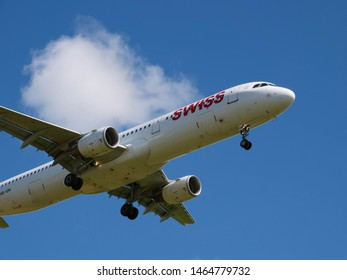 Swiss International Airlines Landing/Starting at Zürich Airport, Switzerland - 29.07.2019