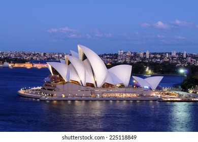 SYDNEY - August 29: The sails of the Sydney Opera House beam white at dusk on August 29, 2010 in Sydney, New South Wales, Australia.