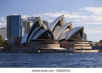 SYDNEY, AUSTRALIA - April 02, 2016: Sydney skyline, Sydney Opera House from running boat.