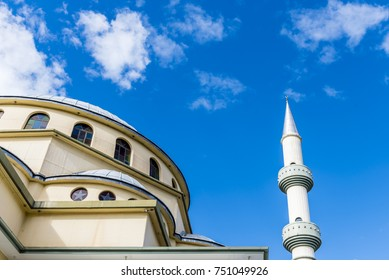 SYDNEY, AUSTRALIA – AUGUST 24: Auburn Gallipoli Mosque on August 24, 2017 in Sydney suburb Auburn. Ottoman style mosque with a central dome and minarets.