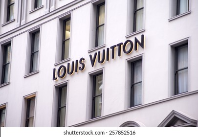SYDNEY, AUSTRALIA - FEBRUARY 9, 2015: View at Louis Vuitton shop in Sydney, Australia. Louis Vuitton is French fashion house founded in 1854 and one of the world's leading international fashion houses