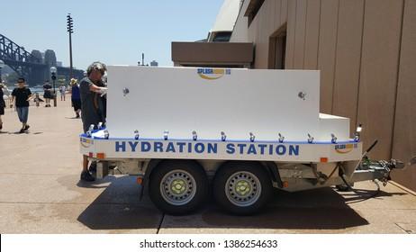 Imágenes, fotos de stock y vectores sobre Water Refilling