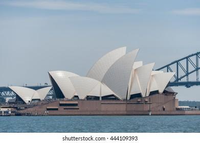 SYDNEY, AUSTRALIA - NOVEMBER 05, 2014: Sydney Opera House and Harbour Bridge. Australia. River Water