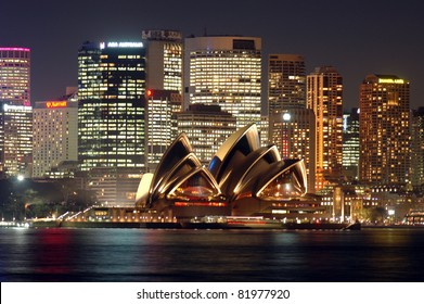SYDNEY, AUSTRALIA - SEPTEMBER 29: Sydney Opera House on September 29, 2006 in Sydney, Australia. The Sydney Opera House hosts over 1,500 performances each year that are attended by approximately 1.2 million people.