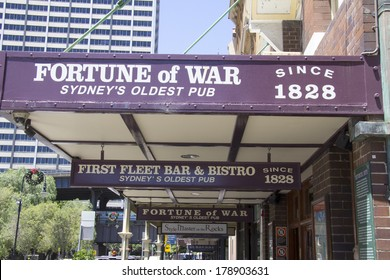 SYDNEY, AUSTRALIA-December 19th 2913: The Fortune of War pub in The Rocks district. The pub is the oldest in Sydney and has been operating since 1828.