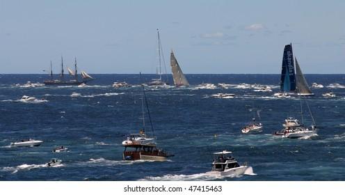 SYDNEY - DECEMBER 26: Sydney to Hobart Yacht Race on December 26, 2006 in Sydney, Australia.