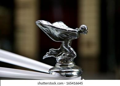 SYDNEY - FEBRUARY 19: Rolls Royce with famous winged emblem mascot on February 19, 2011 in Sydney, Australia