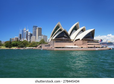 SYDNEY - JAN 7: The city of Sydney and the Opera House in New South Wales, Australia on January 7, 2015. The Opera house was designed by Danish architect Jorn Utzon.