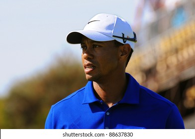 SYDNEY - NOV 11: Tiger Woods frustrated at his loss of form in the third round in the Australian Open at The Lakes golf course. Sydney, November 11, 2011