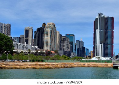SYDNEY, NSW, AUSTRALIA - OCTOBER 28: New buildings and construction activity in Barangaroo district,  new harbor foreshore playground and entertainment area, on October 28, 2017 in Sydney, Australia