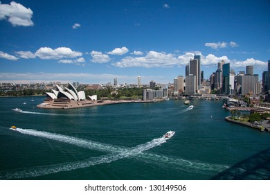 SYDNEY, NSW/AUSTRALIA-OCTOBER 16 : Opera house on October 16, 2009 This building is the landmark of Sydney city and Australia located in Sydney harbour.