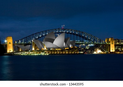 Sydney Opera House with the Harbour bridge in the background