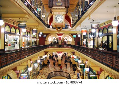SYDNEY - SEPTEMBER 16: Shoppers in the The Queen Victoria Building on September 16, 2008  in Sydney. The QVB is a high-end shopping in Sydney and a famous tourist attraction.