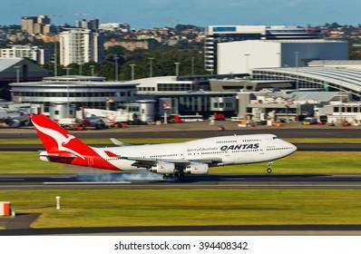 Qantas Flight Images, Stock Photos & Vectors | Shutterstock