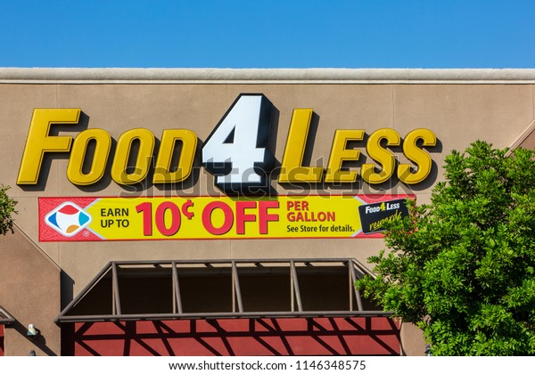 is food 4 less open on christmas