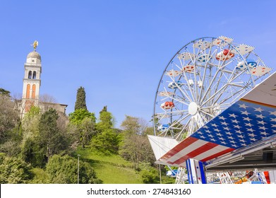 Symbols of the USA flag and Ferris wheel