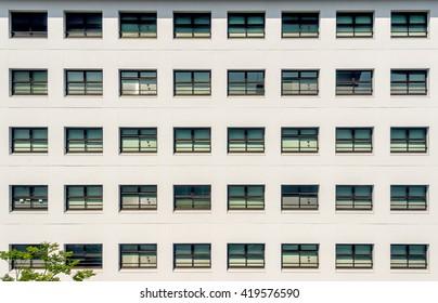 Symmetrical windows