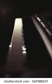 Synthesizer keyboard in the dark