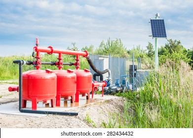 System pumping water for agriculture, with the control unit powered by solar energy