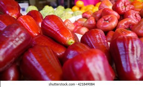 Syzygium samarangense (Wax Apple, Bell Fruit) - Fruits of Taiwan