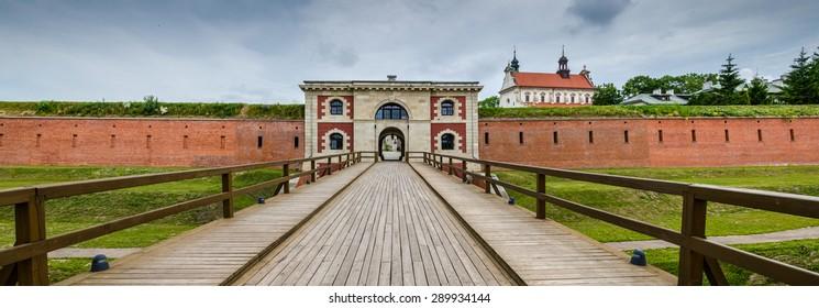 The Szczebrzeska gate in Zamosc, Poland
