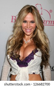 Tabitha taylor images stock photos vectors shutterstock tabitha taylor at the bench warmer trading cards holiday party and toy drive area thecheapjerseys Images