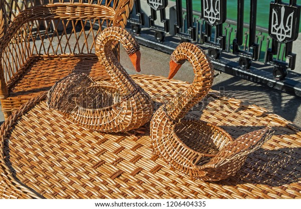table-chair-swan-baskets-woven-600w-1206