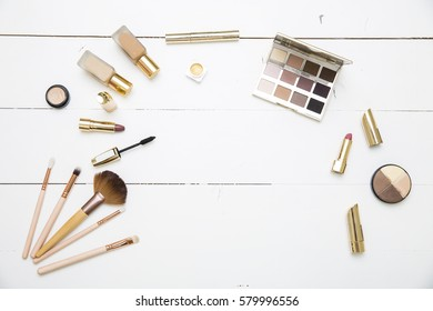 The table of cosmetics and tea