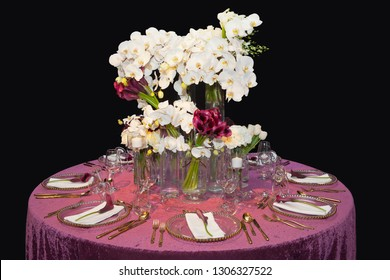 Table decorated for a wedding dinner