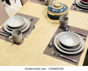 Table decoration: set of plates and silverware