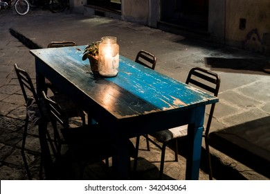 A table at a little cafe in south Florence.