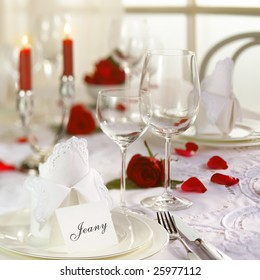 Table with luxury dekoration end roses