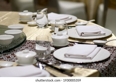 table manner setting for the dinner banquet