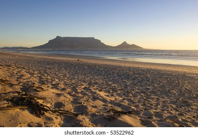 Table mountain at sunset from Blouberg beach
