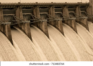 Table Rock Dam - Branson, Missouri
