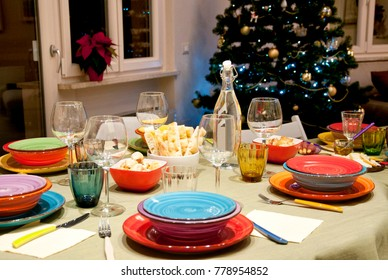 Table setting, dining room. Christmas holidays