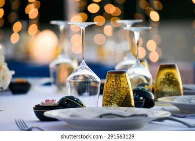 Table setting for an event party or wedding reception at the beach