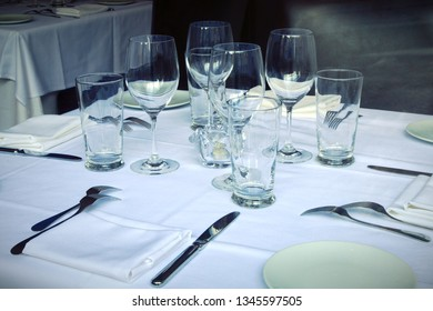 table setting plate glass napkin tableware cutlery dinner