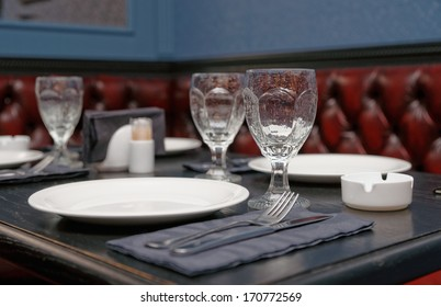 Table setting in a traditional pub