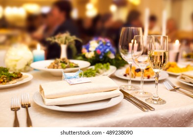 Table setting for wedding or event. wedding concept. beautifully served table in a restaurant