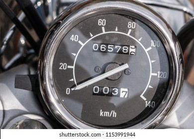 Tachometer of a motorbike and tripmeter