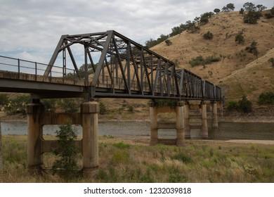 The Taemas Bridge (1930) is a Truss Bridge crossing the Murrumbidgee River at Cavan NSW, Australia