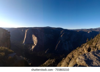 Taft Point Summit, Yosemite National Park, California