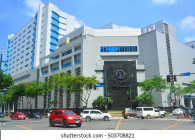 TAGUIG, PH - OCT 1: St. Luke's facade on October 1, 2016 in Bonifacio Global City, Taguig, Philippines. St. Luke's Global City has one of the most advanced medical equipment in the country.