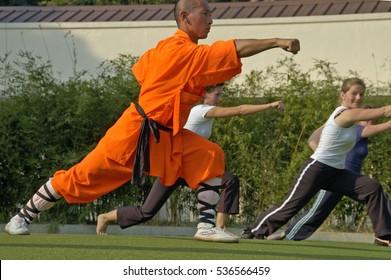 Tai O, Hongkong, 12 december-2006: Kung fu practice, a famous Chinese sport.